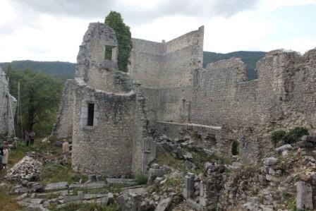 Site de Beauretour - Vue générale depuis l`intérieur du château